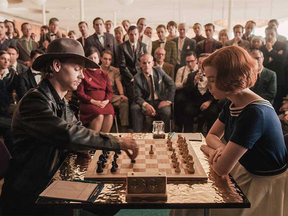 Partida de ajedrez con Beth Harmon