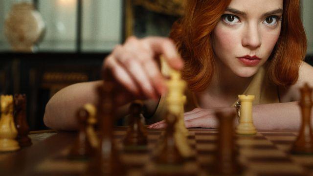 Imagen promocional de 'Gambito de dama' / Netflix