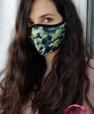 Mascarilla mujer estilo militar